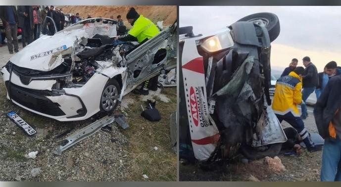 Diyarbakır'ın Silvan ilçesindeki kazada, 2'si çocuk 5 kişi yaşamını yitirdi, 3 kişi yaralandı.