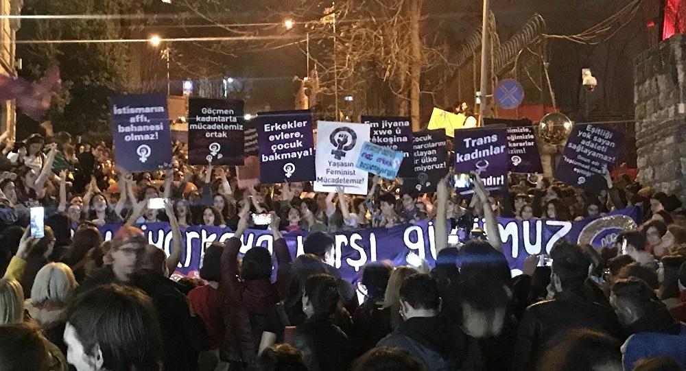Kadınlar, 'Elinin Hamuruyla' Taksim'i kendine getirdi!