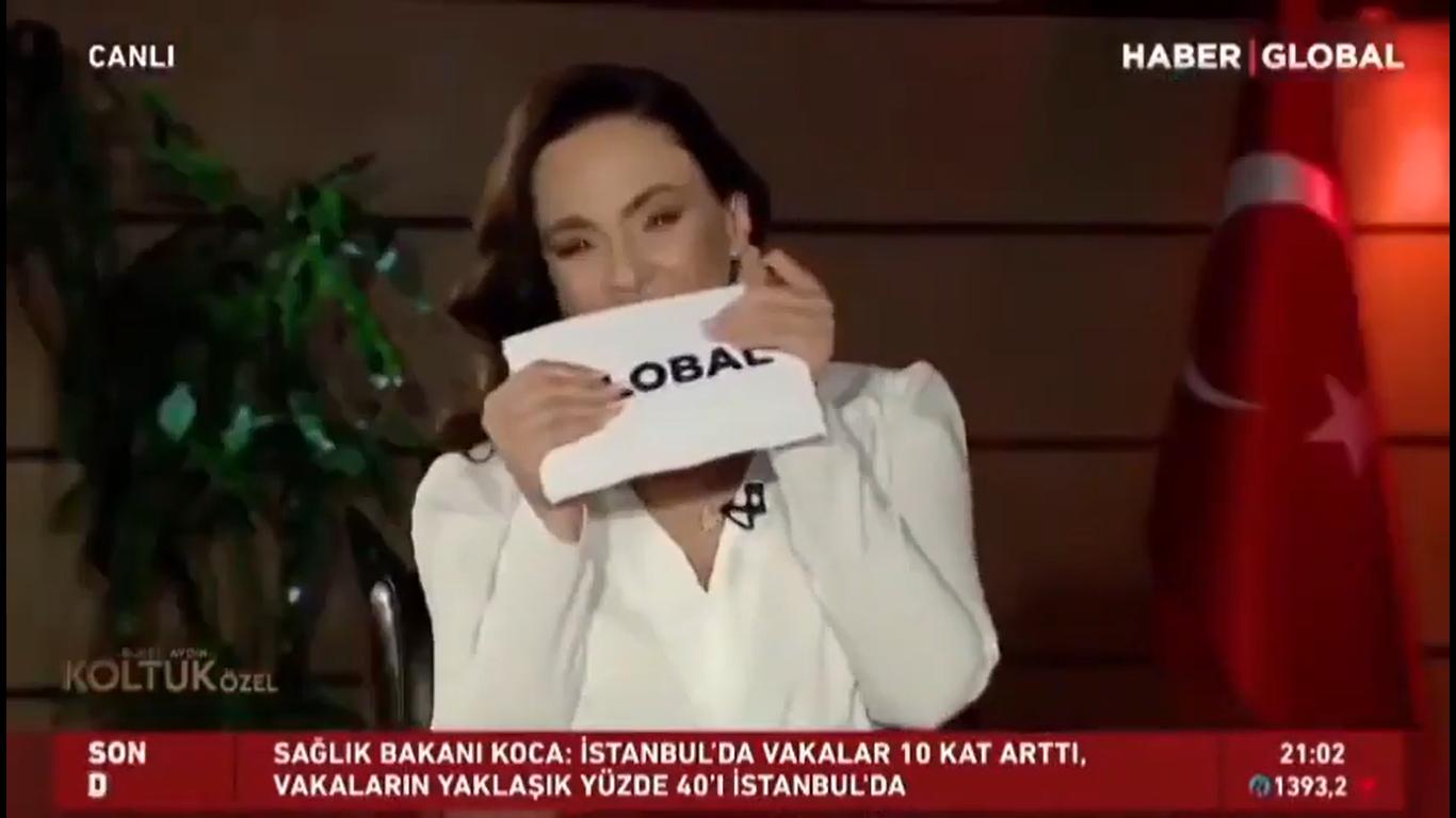 """Canlı yayında, Kılıçdaroğlu'ndanBuket Aydın'a; """"Başlamadan bir kahkaha bekliyorum sizden"""""""