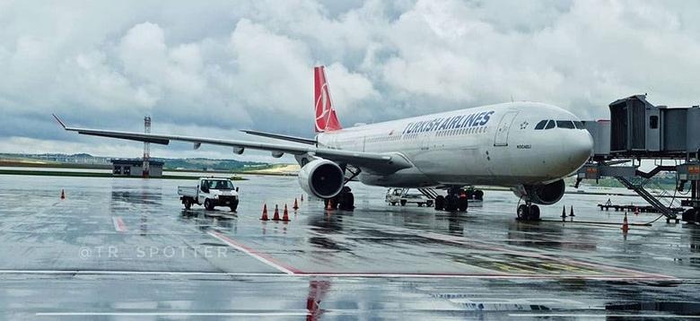 İstanbul'da yağmur Sabiha Gökçen'e 'göz açtırtmadı'!
