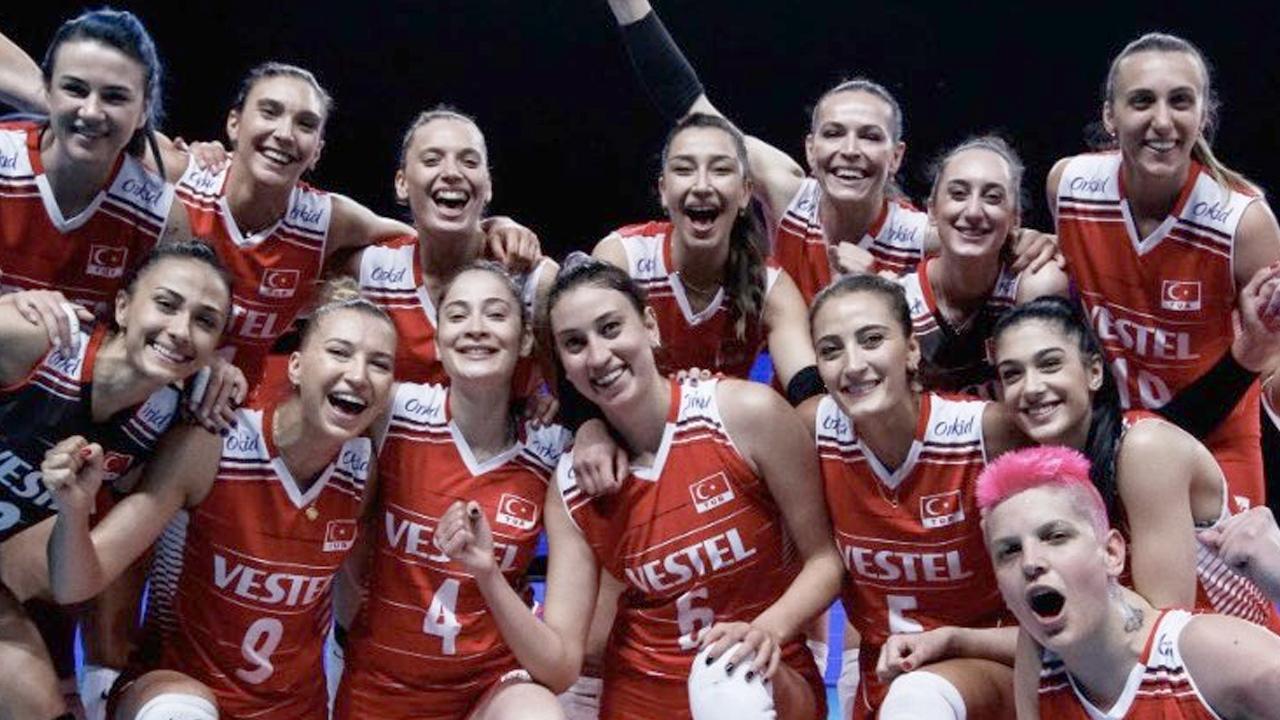 Türkiye A Milli Kadın Voleybol Takımı, çeyrek finali garantiledi