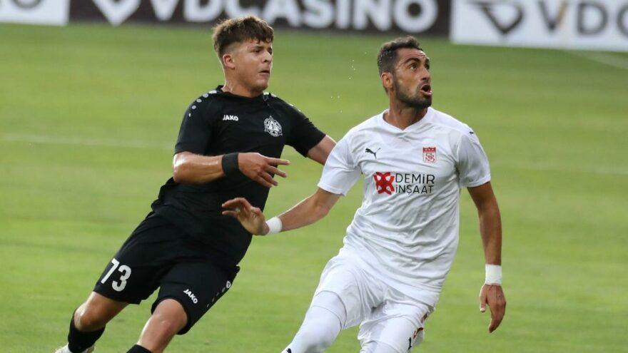 Sivasspor, UEFA Avrupa Konferans Ligi'nde tur atladı.