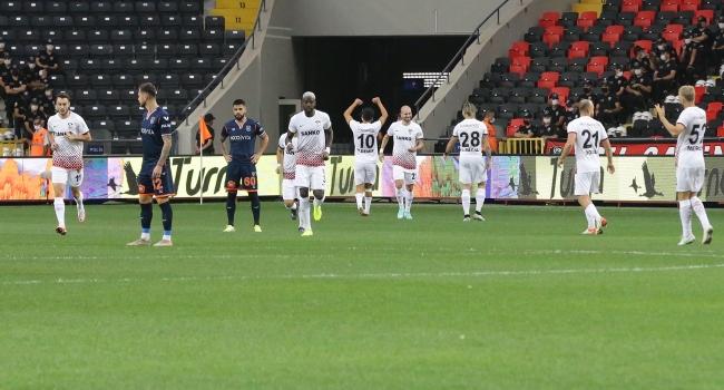 Süper Lig tarihinin en erken golüyle Gaziantep FK 3 puanı aldı. Gaziantep FK: 1 Medipol Başakşehir: 0