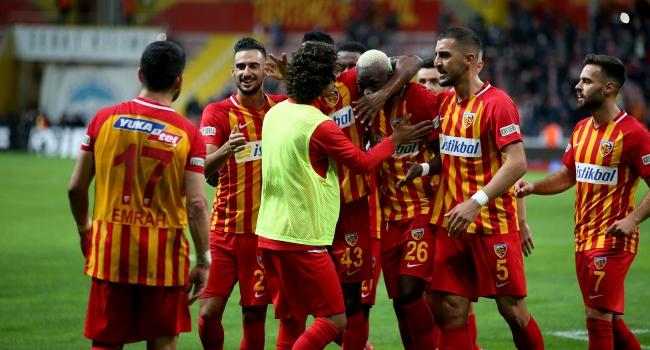 Kayseri'de Galatasaray'a şok!. Yukatel Kayserispor: 3 Galatasaray: 0